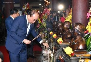 Thủ tướng mong các hành động đền ơn đáp nghĩa được nhân lên nhiều hơn