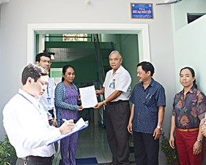 TP Vũng Tàu tặng nhà Đại đoàn kết cho hộ nghèo huyện Tây Sơn