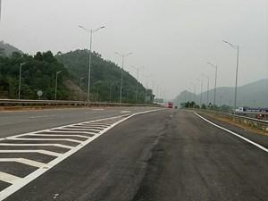 Trạm thu phí qua nút giao IC11 cao tốc Nội Bài-Lào Cai thu phí từ ngày 25/11