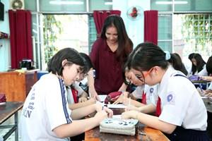 Tránh việc liên tục thay sách giáo khoa