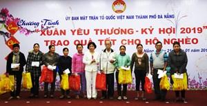 Trao 4.322 suất quà Tết cho hộ nghèo Đà Nẵng