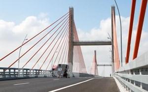 Vị trí võng, lún trên cầu Bạch Đằng sẽ được xử lý từ ngày 15/12