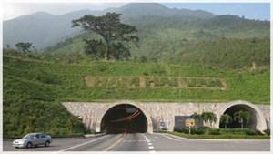 Vướng mắc hầm đường bộ Hải Vân
