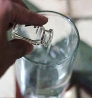 Bỏ thuốc độc vào nguồn nước uống để đầu độc gia đình người tình