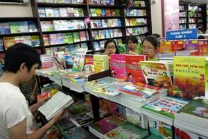 Sách giáo khoa: Sớm bình ổn giá để hỗ trợ người học