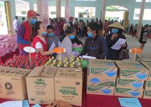 Quảng Bình: Tổ chức 'Chợ nhân đạo' giúp người nghèo vùng cao vượt qua khó khăn do dịch Covid-19