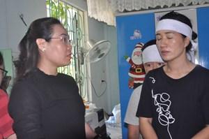 Trao tiền hỗ trợ cho các nạn nhân trong vụ TNGT ở Quảng Bình