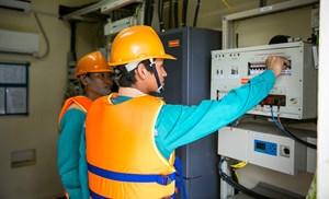 Khách hàng của Viettel được đảm bảo cao nhất thông tin liên lạc trong bão số 5