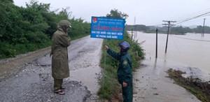 Hà Tĩnh: Mưa lũ, hơn 21.000 học sinh miền núi Hương Khê nghỉ học