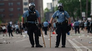 Tổng thống Mỹ Donald Trump ký sắc lệnh cải tổ cảnh sát