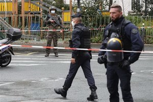Pháp: Nổ súng tại thủ đô Paris khiến 2 cảnh sát bị thương