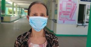 Bệnh nhân Covid-19 ra viện: Đau đớn vì không thể nhìn mặt chồng lần cuối