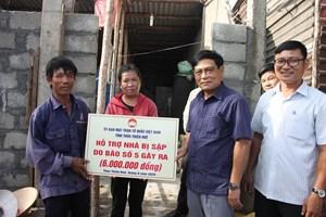 Thừa Thiên-Huế: Hỗ trợ các hộ bị sập nhà do bão