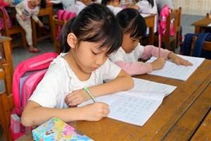 Tiếng Việt gần gũi hay xa cách?