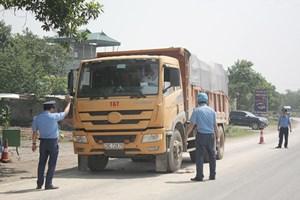 Tháng 9, phạt gần 1.300 xe chở quá tải