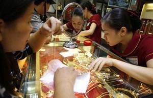 Giá vàng bất ngờ tăng mạnh, áp sát mốc 49 triệu đồng/lượng