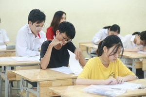 Tuyển bổ sung lớp 10 công lập Hà Nội: Điểm chuẩn hạ sâu nhất tới 6,5
