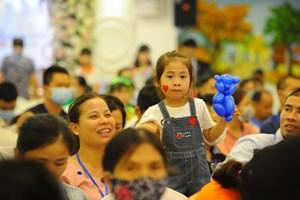 'Hạnh phúc sẻ chia' của các gia đình hiếm muộn