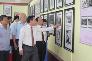 Trưng bày chuyên đề '90 năm truyền thống vẻ vang của Đảng bộ tỉnh Thanh Hóa'