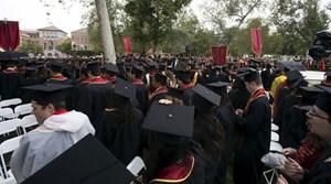 17 bang kiện Chính quyền ông Trump về quy định đối với sinh viên nước ngoài