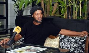 Ronaldinho sắp được tự do