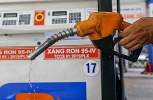 Giá xăng tăng thêm 138 đồng/lít