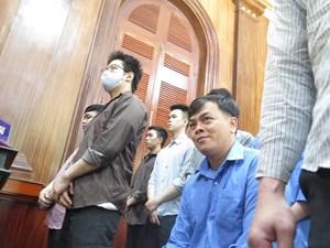 Người đeo nhiều vàng nhất Việt Nam hầu tòa