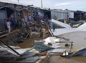 Cà Mau: Sạt lở đất gây thiệt hại 14 nhà dân