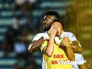 Bóng đá Việt Nam phơi bày bộ mặt xấu xí trong mùa dịch Covid-19