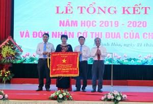 Trường Cao đẳng Du lịch Nha Trang đón nhận Cờ thi đua của Chính phủ