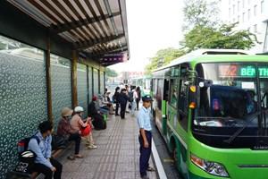 Xe buýt ở TP HCM tiếp tục xin trợ giá