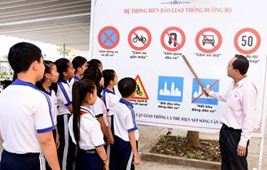 Tăng cường công tác giáo dục ATGT trong trường học