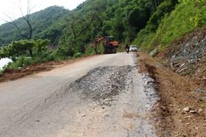 Nghệ An: Nát bươm con đường trị giá hơn 24 tỷ đồng