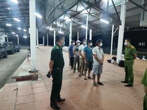 Phát hiện nhóm người từ Đà Nẵng đi bộ ra Huế để trốn cách ly