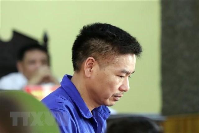 Bị cáo Trần Xuân Yến (nguyên Phó Giám đốc Sở Giáo dục và Đào tạo tỉnh Sơn La) tại phiên tòa ngày 24/5. Ảnh: TTXVN.