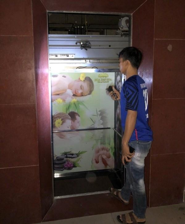 Hiện trường thang máy nơi các nạn nhân mắc kẹt.