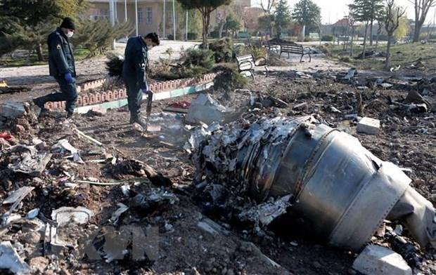 Hiện trường vụ rơi máy bay chở khách của Hãng hàng không quốc tế Ukraine ở gần thủ đô Tehran, Iran ngày 8/1/2020. (Nguồn: THX/TTXVN).