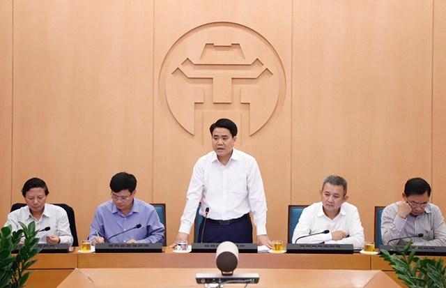 Chủ tịch UBND TP Hà Nội Nguyễn Đức Chung phát biểu chỉ đạo trong một buổi họp Ban chỉ đạo phòng chống Covid-19 TP.