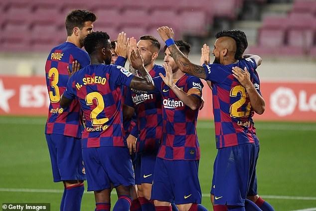 Barcelona đã có lợi thế bất ngờ để giành trọn 3 điểm.