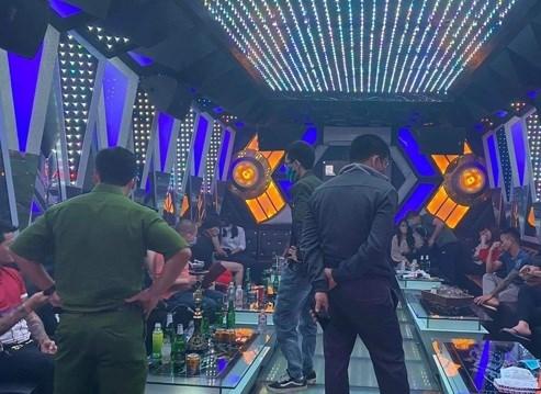 Gia tăng tình trạng sử dụng ma túy tại các quán karaoke.