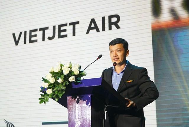 , Ông Lưu Đức Khánh, Giám đốc điều hành Vietjet phát biểu về giải thưởng.