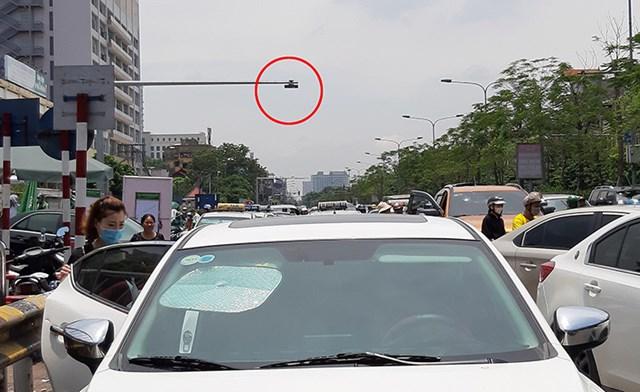 Phòng Cảnh sát giao thông (CSGT-Công an TP Hà Nội) đang đẩy mạnh lắp đặt camera giám sát giao thông để phạt nguội vi phạm.
