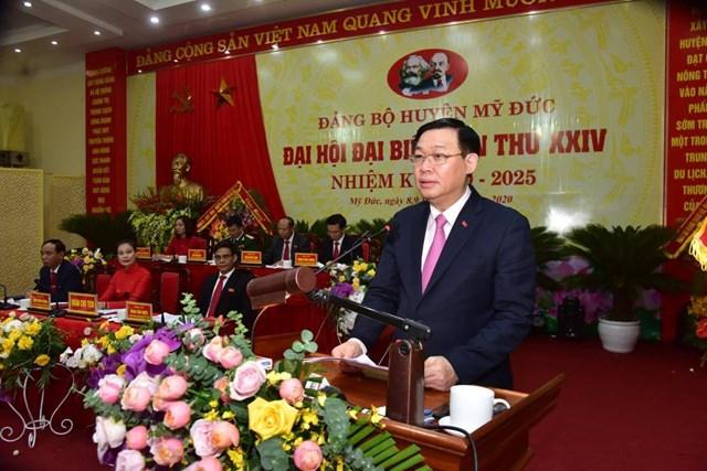 Bí thư Thành ủy Hà Nội Vương Đình Huệ phát biểu chỉ đạo tại hội nghị.