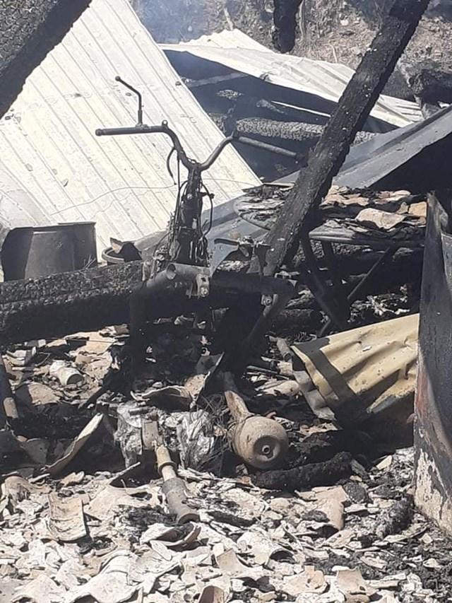 Nhiều tài sản trong nhà chị Hiền bị cháy thiêu rụi.