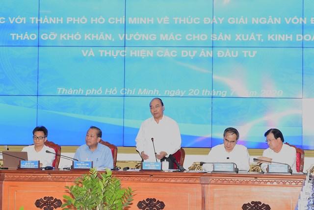 Thủ tướng Chính phủ Nguyễn Xuân Phúc phát biểu chỉ đạo tại buổi làm việc.