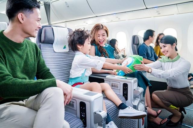 """Hành khách sẽ được bay cùng Bamboo Airways – hãng hàng không đúng giờ """"top đầu"""" toàn ngành, giúp hạn chế việc trễ chuyến, giảm mệt mỏi do phải chờ đợi ở sân bay."""