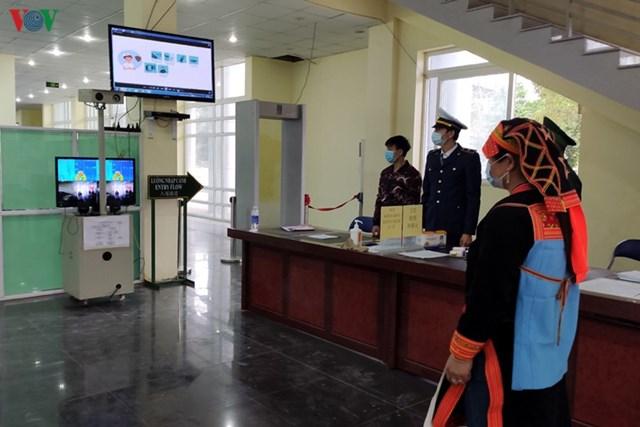 Tất cả các trường hợp từ Trung Quốc nhập cảnh về Việt Nam qua địa bàn đều được kiểm soát theo quy định về từ vùng dịch.