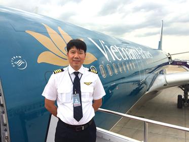Cơ trưởng Phạm Đình Hưng - người trực tiếp chỉ huy chuyến bay đi Guinea Xích đạo.