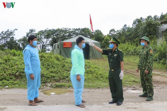Trong đó, chú trọng ngăn chặn triệt để việc người nước ngoài nhập cảnh trái phép vào địa bàn, nhằm đảm bảo an ninh trật tự và ngăn ngừa dịch bệnh.