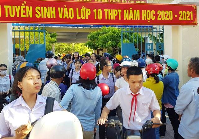 Học sinh thi vào lớp 10 THPT công lập tại TP Nha Trang, Khánh Hòa năm học 2020-2021